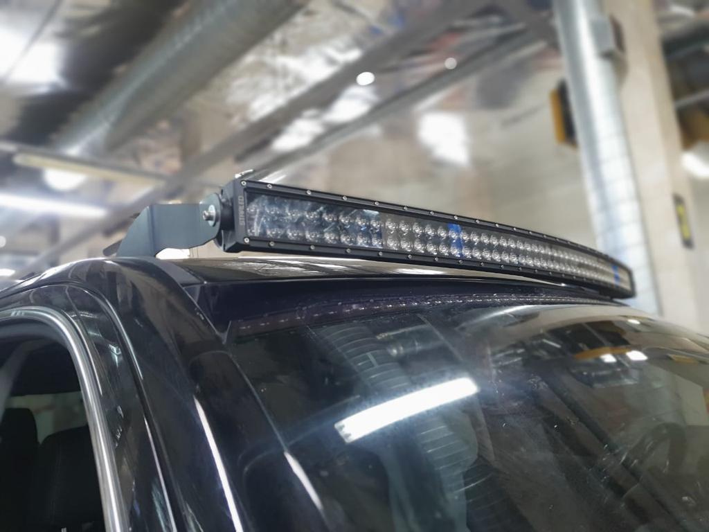 Универсальная светодиодная балка на крышу Chevrolet Tahoe 5-gen